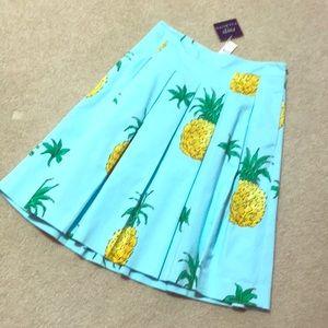 Pineapple 🍍 skirt TALBOTS